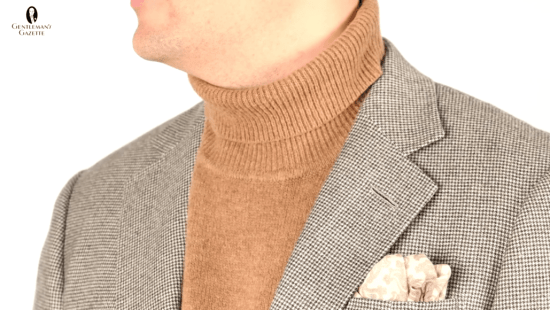 e6571fb64d210 Tan Turtleneck, houndstooth suit and brown paisley pocket square