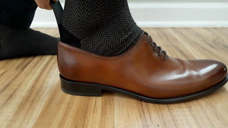 Shoe Horn Action | GENTLEMAN WITHIN