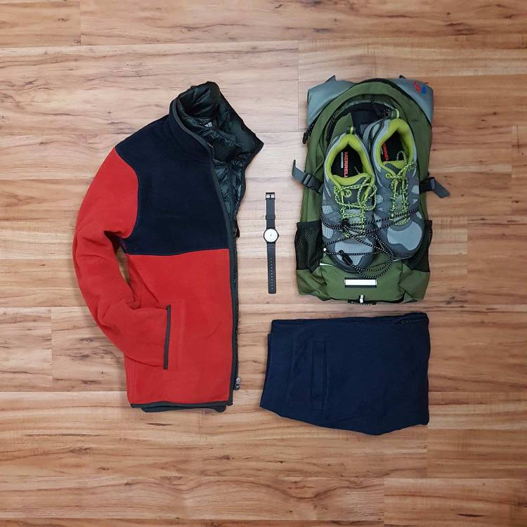How To Wear A Casual Vest Flatlay 5