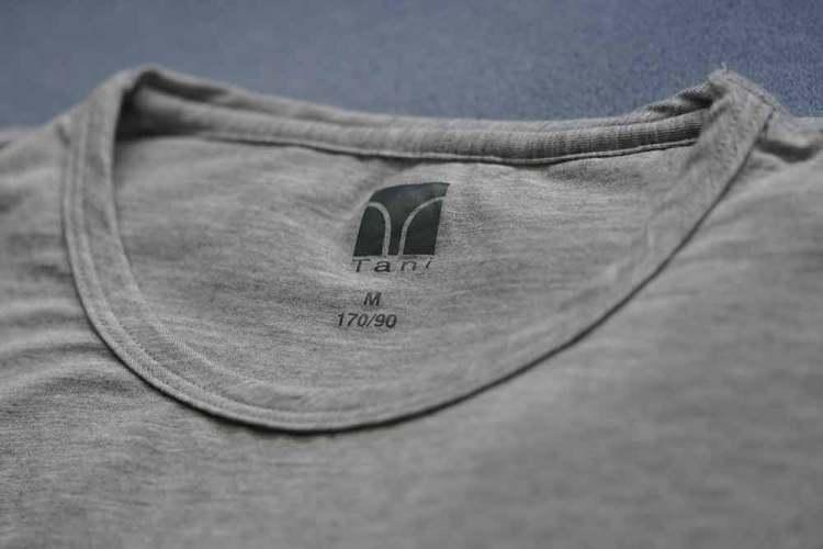 tani silk cut crew shirt details