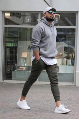 white sneakers with athleisure outfit 1