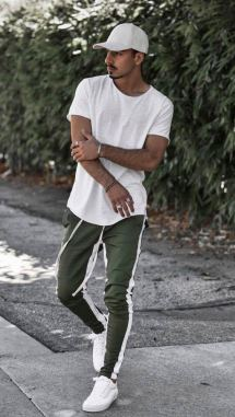 white sneakers with athleisure outfit 5
