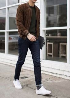 white sneakers with jeans outfit 8