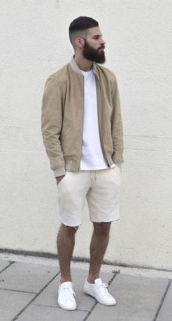 white sneakers with shorts outfit 5