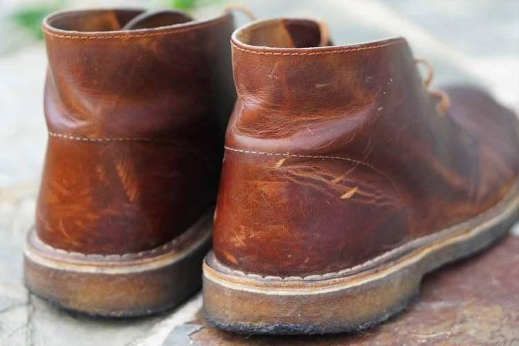 desert boot back view scratch details