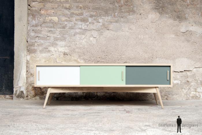 meuble tv en chene comprenant 3 portes degradees du blanc au vert