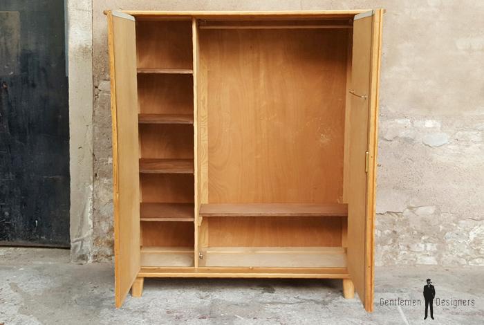 armoire penderie vintage en bois et tissus pieds compas gentlemen designers france paris lyon