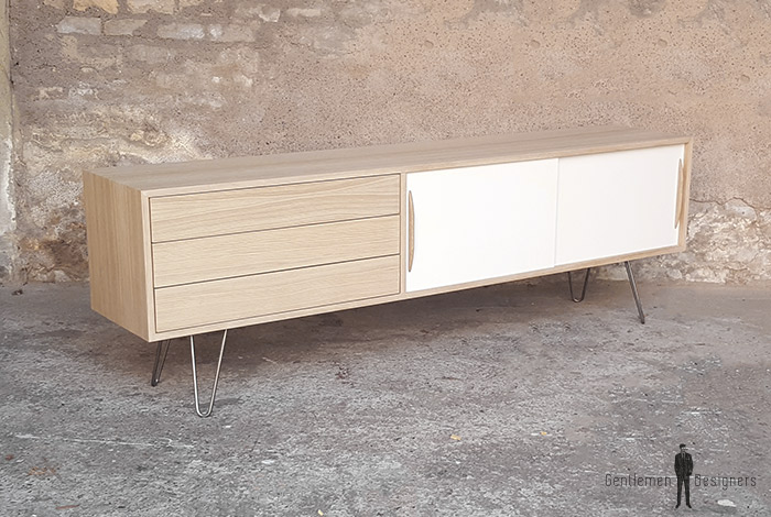 meuble tv sur mesure en chene comprenant 3 tiroirs