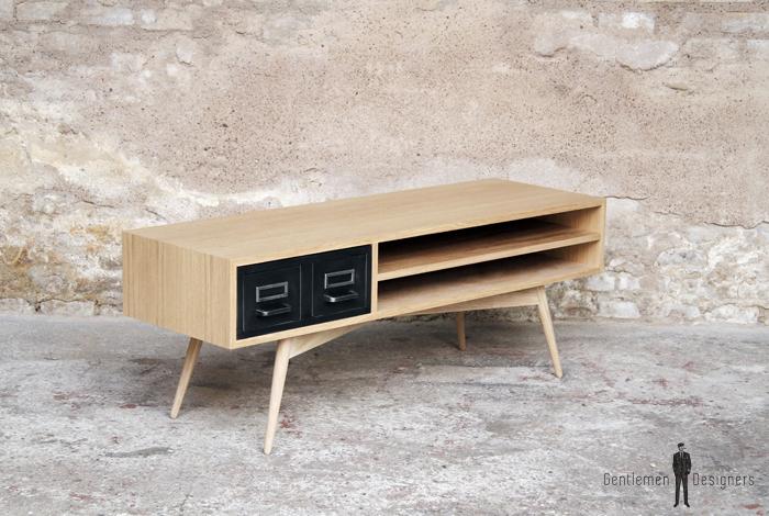 meuble tv en chene avec des anciens tiroirs industriels en metal