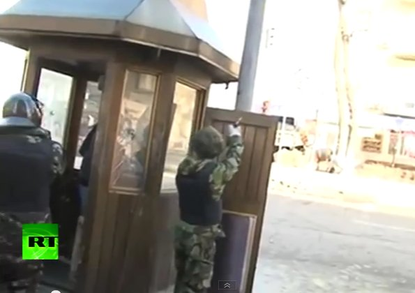 Maidan revolutionary shooting gun with bulletproof vest
