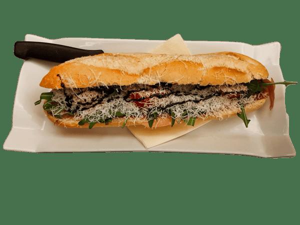 Parma Schinken, Basilikum- Pesto, Tomaten, Parmesan, Balsamicocreme, Rucola