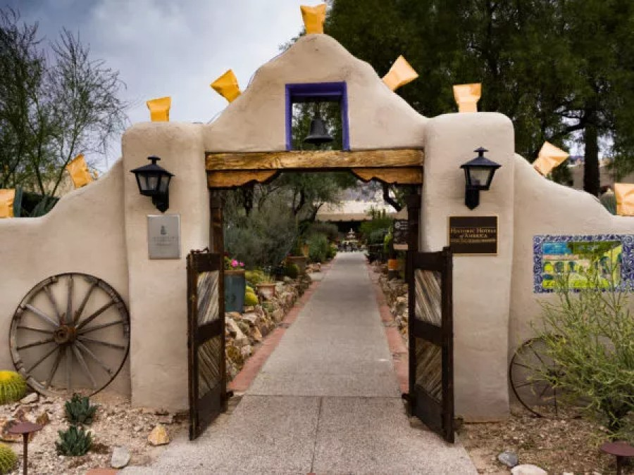 Hacienda Del Sol Entrance