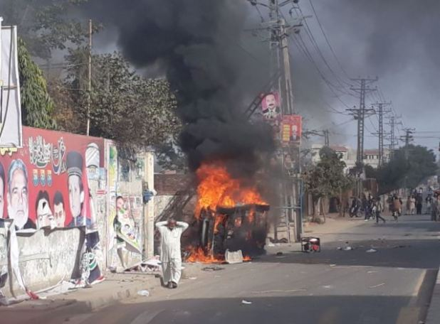 Protesters attack house of PML-N MPA Naeem Safdar