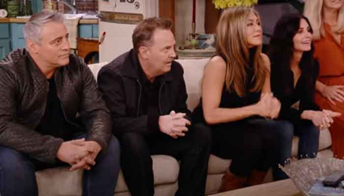 352159 6901025 updates 'Friends' reunion: Jennifer Aniston, David Schwimmer reveal they had major crushes on each other