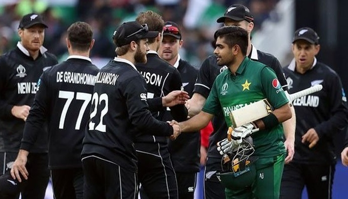Babar Azam shakes Kane Williamsons hand after Pakistan beat New Zealand at the ICC Cricket World Cup 2019. Photo: AFP
