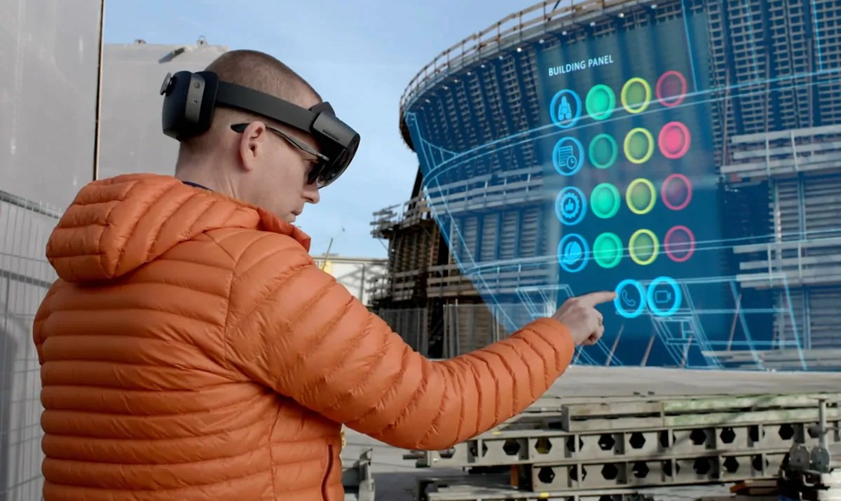 microsoft-hololens-a-bentley-systems / GeoBusiness