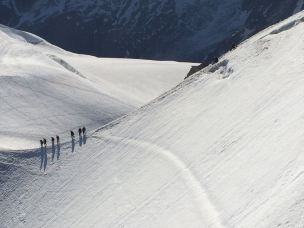 Mountaineers descending the glacier