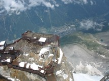 Looking down at the platform at L'aiguille du midi