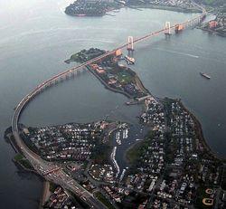 649px-Throgs_Neck_Bridge_from_the_air.jpg