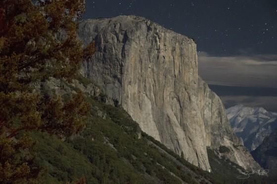 El Capitan at Night Under the Stars-w1920-h1400
