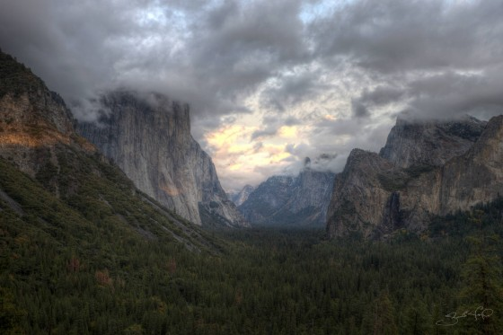 Yosemite Valley Colorful Clouds at Sunset-w1920-h1400