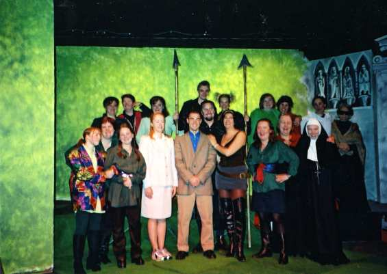 2000 Robin Hood and the Babes in the Wood (01)