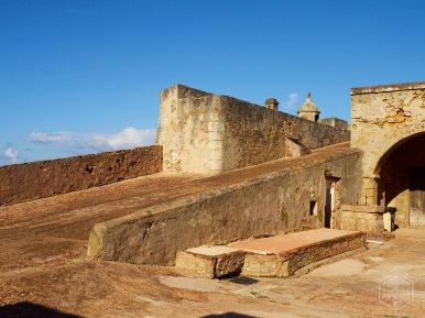 Vista de una de las rampas laterales del Fortín San Jerónimo.