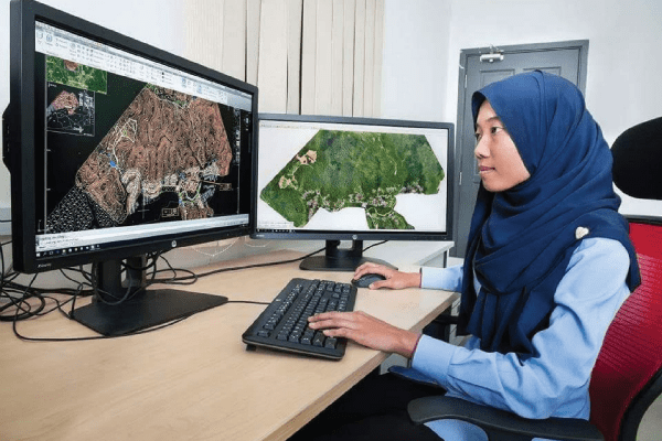 Master Science Geographical Information Science - Geomatika
