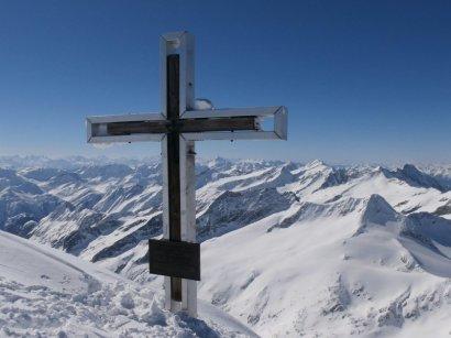 Das neue Gipfelkreuz am Großvenediger (3.666m)
