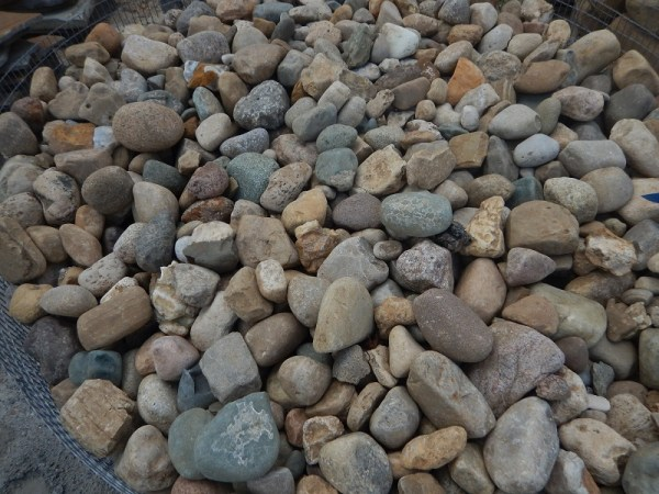 river rock landscaping rocks