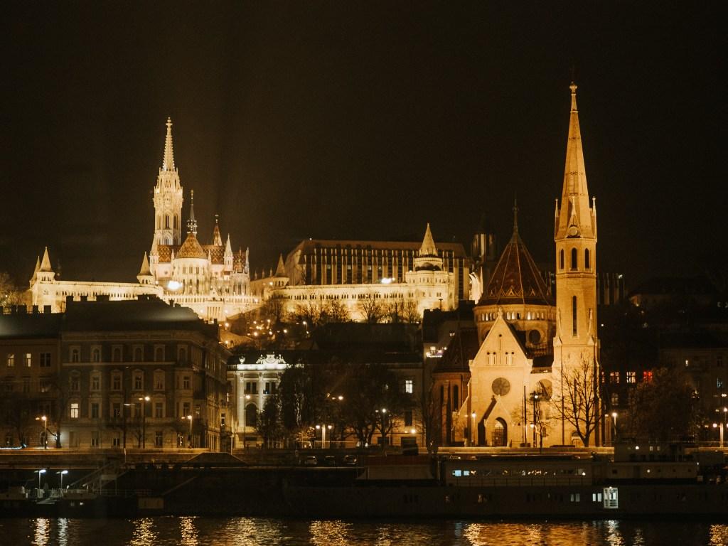 budapest night at night