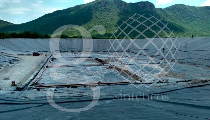 Relleno Sanitario, Apatzingán Michoacán. 16 mil metros #geotextil y #HDPE. Trabajo terminado.