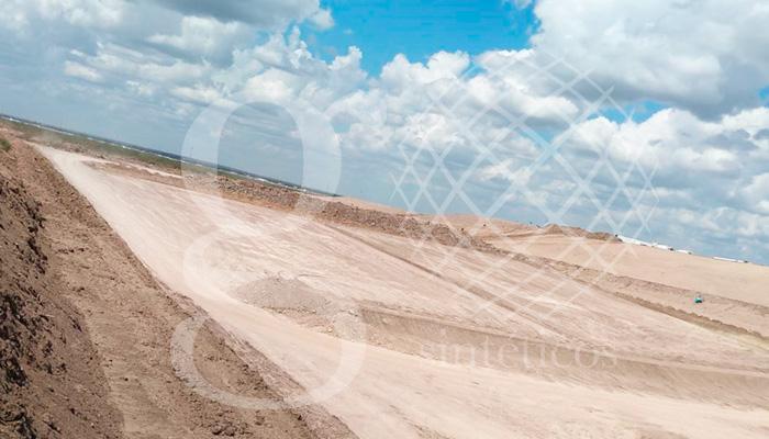 Un equipo se dirige hoy al relleno sanitario de Nuevo Laredo, Tamaulipas. Se instalarán 20 mil m2 de polietileno de alta densidad de 1.5mm y la misma cantidad de geotextil.