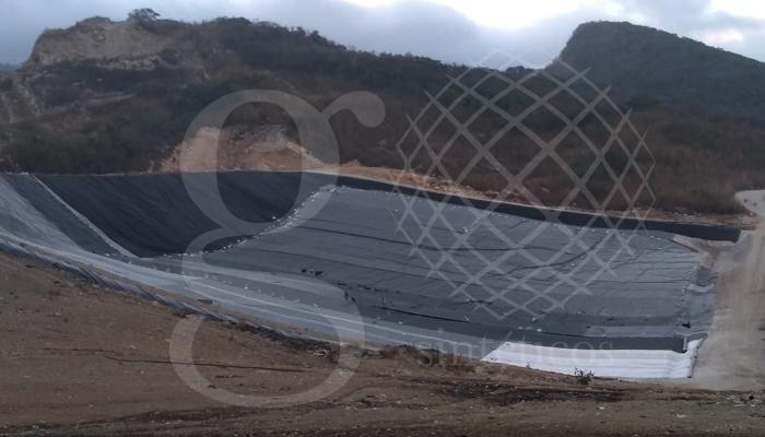 Obra de #rellenoSanitario en Tuxtla Gutiérrez, instalación del talud más alto del relleno.