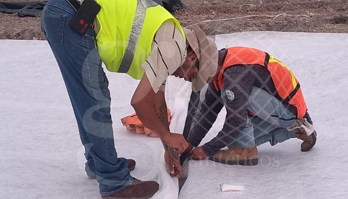Instalación de #geocompuesto drenante Atardrain en celda de relleno sanitario en Nuevo Laredo