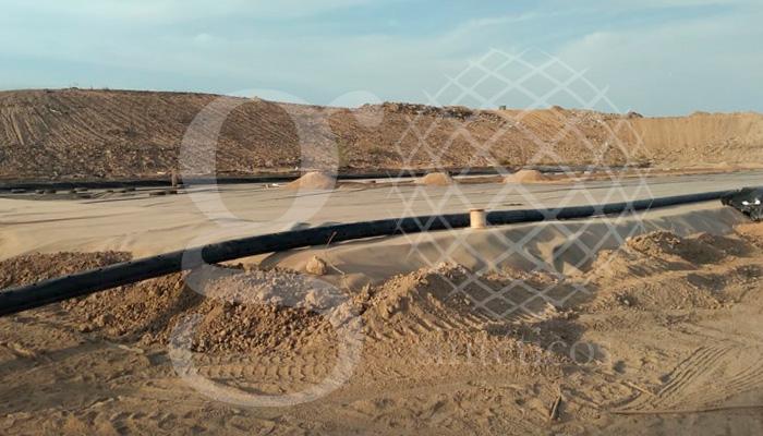 Avances de obra, nuestros técnicos han instalado 2 rollos de #geodren, realizado 580 hoyos y 13 termofusiones, #RellenoSanitario de 8000m2 en el norte de la República.