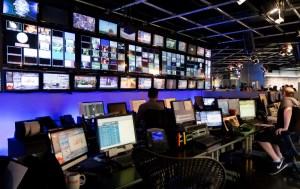Welk belang dient de mainstream media?