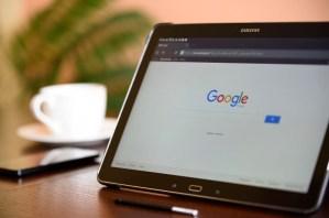 Google past zoekresultaten aan, deze websites verliezen bezoekers