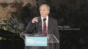 """Ray Dalio: """"Dit is een gevaarlijke omgeving voor de waarde van valuta"""""""