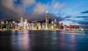 Hong Kong en Singapore bestrijden coronavirus met helikoptergeld