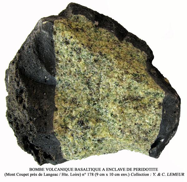 Image:Basalte a enclave de Peridotite - 1.jpg