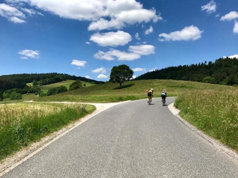 Puchberg,Ascher, Neusiedl, Rennrad, MitziandFriends, Radrunde, Route, Rennradblog, Radblog, Tini und Andy, One girl, One boy, One passion, Rennradblog, Radblog, Geradeaus, Trikoterie, Cycling, Blog, Austria, IgersAustria, Blogging, Tini, Andy, Passion, Sport, Hals, Piesting, Pernitz, Roadcycling, geradeaus.at