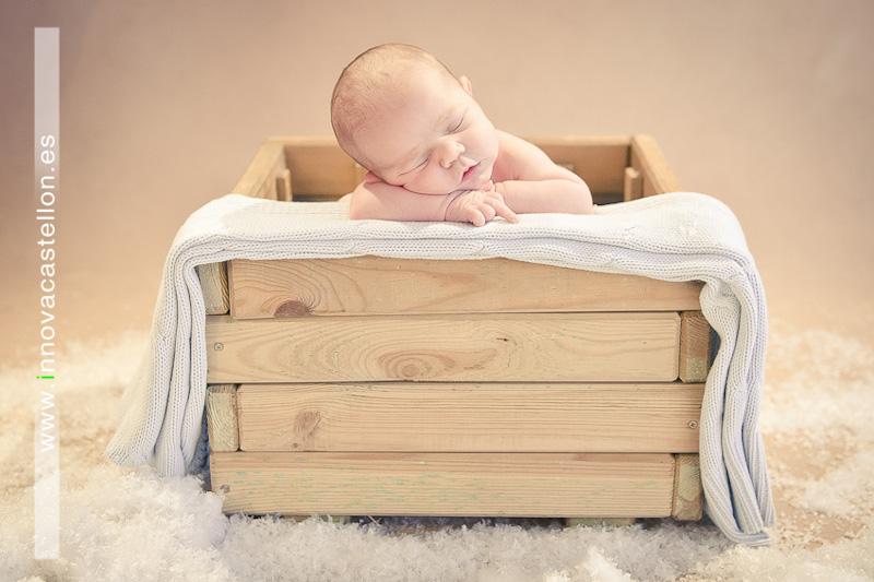 Fotografía original y diferente de bebes recien nacido - reportaje de fotos recien nacidos bebes en castellon (2)