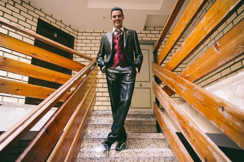 Fotos de boda León - El novio después de vestirse y prepararse