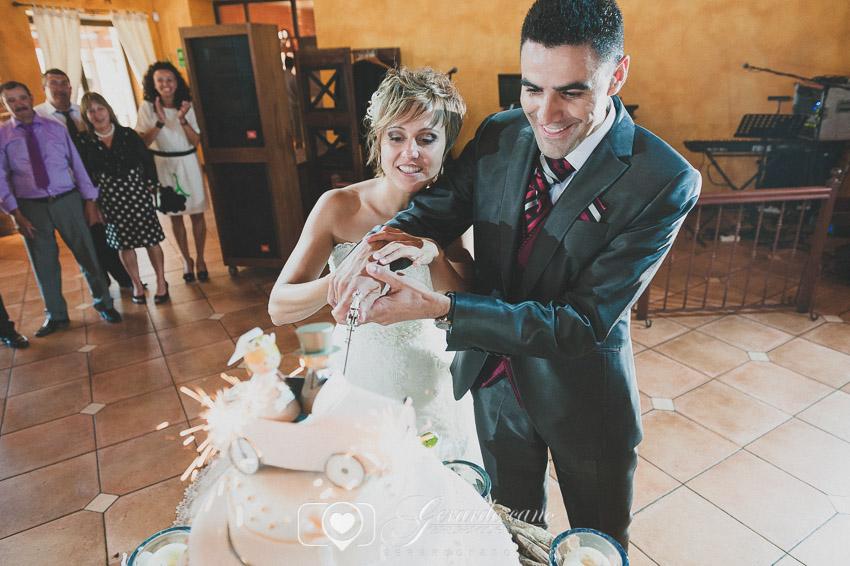 Corte de tarta de boda en León - Cigarral de Cembranos