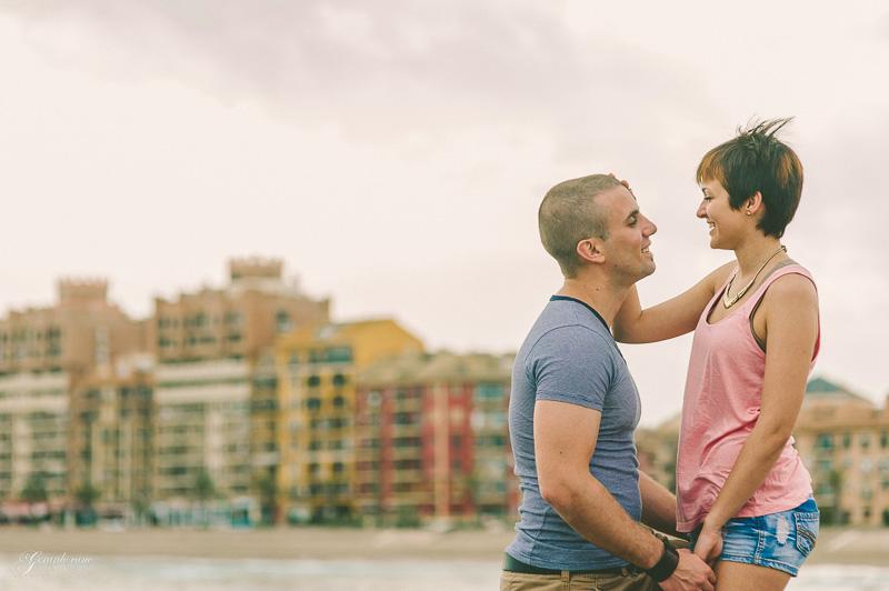 book de fotos de pareja Valencia - Port Saplaya (16)