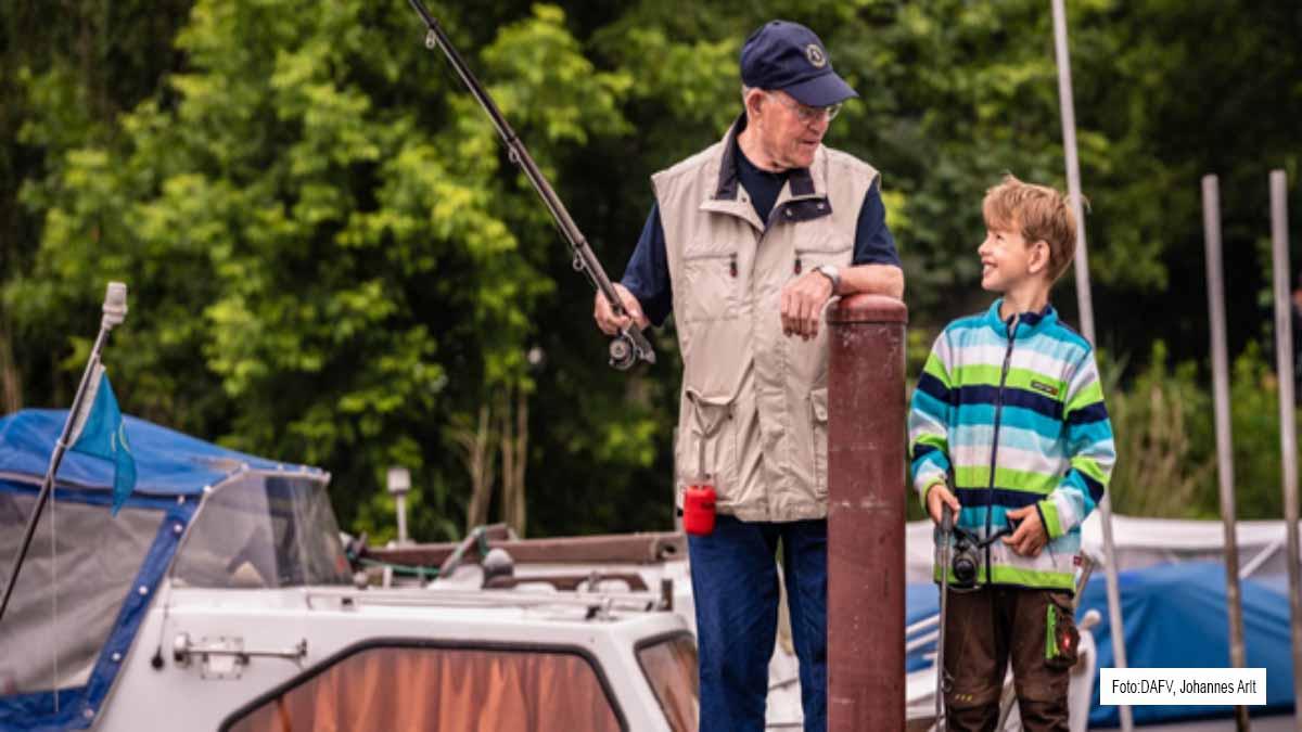 6,24 Millionen Deutsche gehen mindestens einmal im Jahr angeln. Dabei erfreut sich Angeln zunehmender Beliebtheit bei Jung und Alt. Foto: DAFV, Johannes Arlt