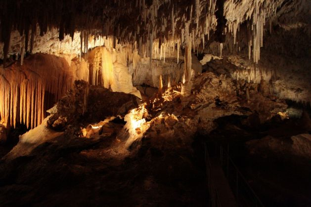 cave04