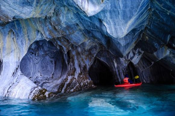 Katja in der Marmorhöhle