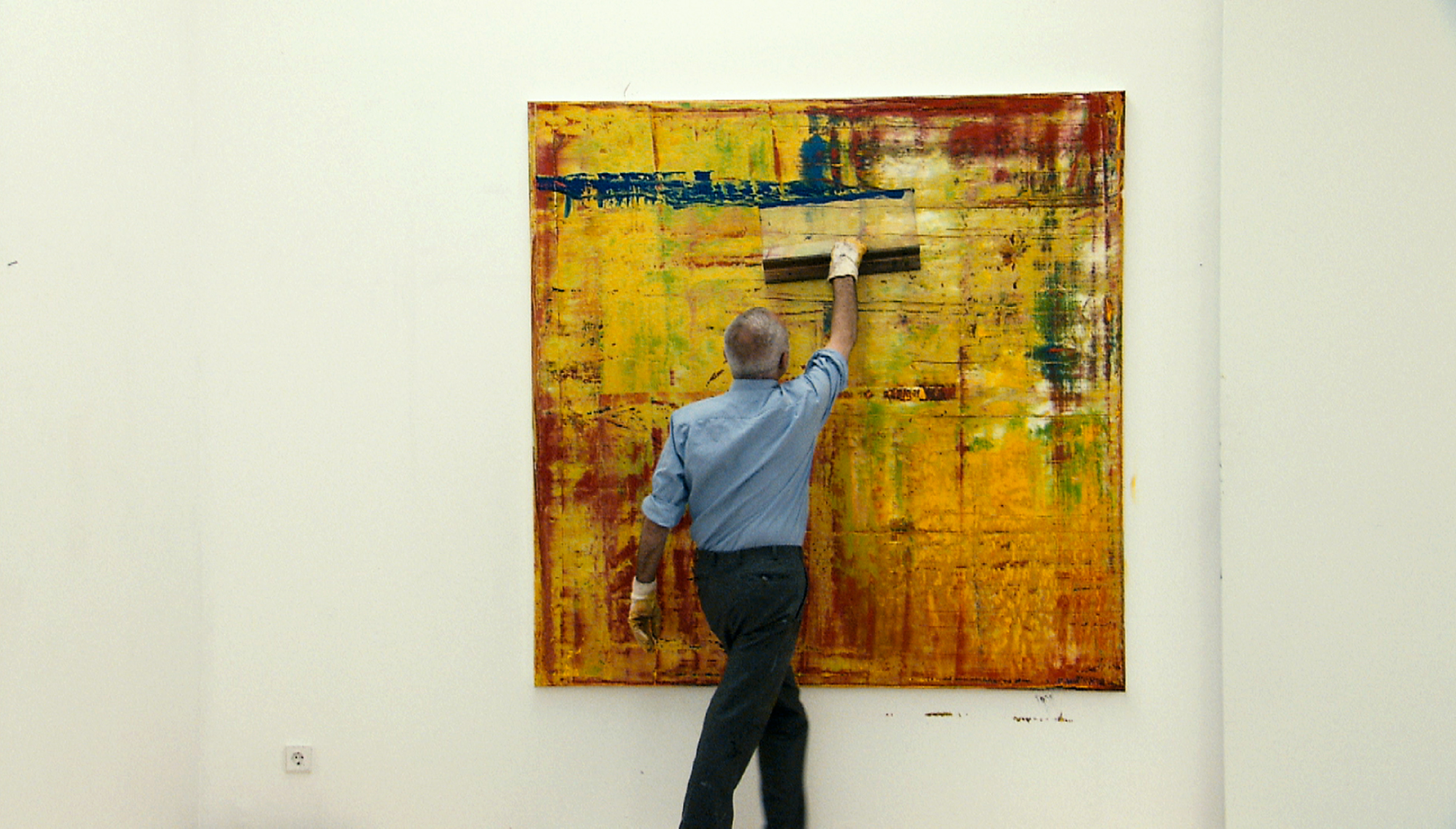 "Richter working on ""Abstract Painting (910-1)"